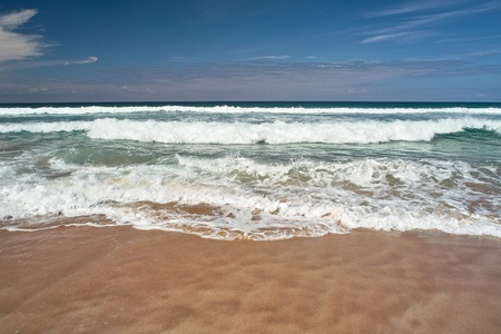 Ocean waves an the sandy beach Stock Photo - 9688358