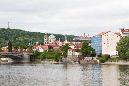 brige: Sitio de Praga con cnetro