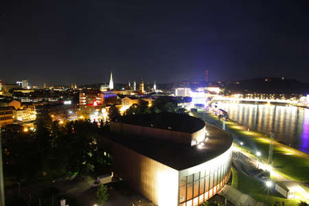 linz: Linz by night.