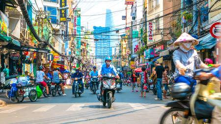 HO ホーチミン市, ベトナム - 2016 年 2 月 4 日: 旧称サイゴン 2016 年 2 月 4 日にホーチミン市、ベトナムの都市の日常生活のストリート シーン。
