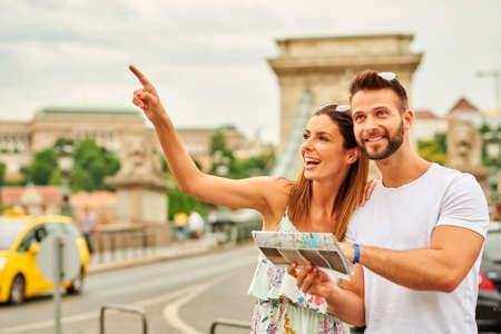 Young tourist couple Standard-Bild