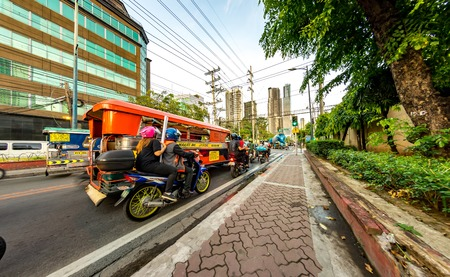 Daily life on the streets of Manila
