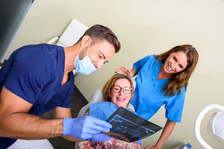A patient getting attended and treatment in a dental studio Banque d'images