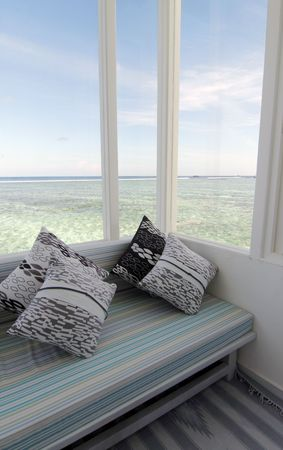 Alcove with a view of the ocean