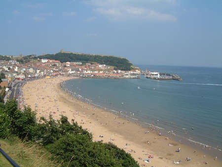 beachcomb: A general view of the South Bay Beach in Scarborough in England.  Stock Photo