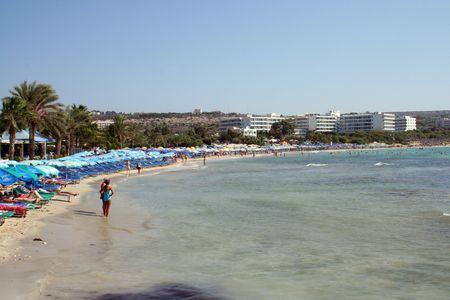 feigenbaum: Eine allgemeine Ansicht der Feigenbaum Strand im Ferienort Ayia Napa auf der Insel Zypern.