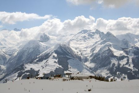 station ski: A general view of a ski station pictured on the Schmittenhohe mountain in Austria.