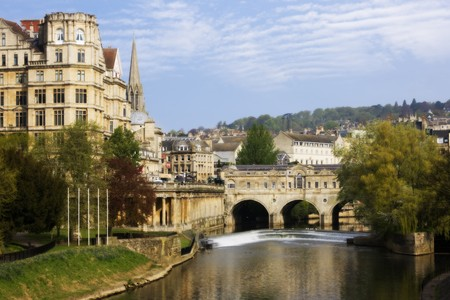 View of the Pulteney Bridge River Avon in Bath, England Stock Photo