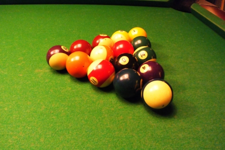 emulate: all the colorful ball of snooker