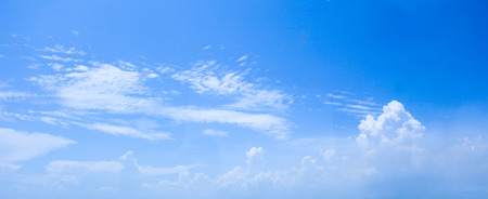 ���clear sky���: Clear sky with white cloud