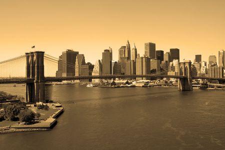 브루클린 다리와 맨하탄 세피아, 맨하탄 다리에서보기