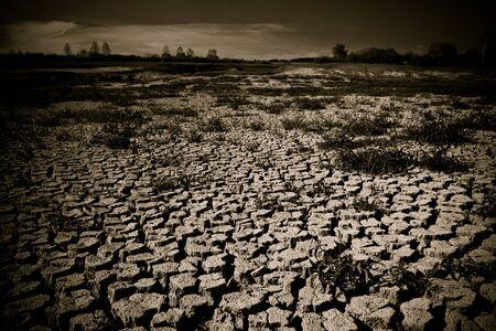 금이 간 땅의 지구 온난화 개념 스톡 콘텐츠