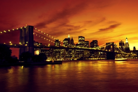 manhattan bridge: Brooklyn Bridge and Manhattan at sunset, New York