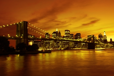 Puente de Brooklyn y Manhattan al atardecer, de Nueva York photo