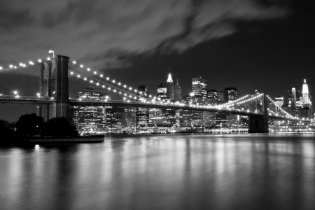 Brooklyn Bridge in black and white  Night scene photo