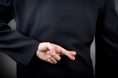 남자의 뒤를 넘어 손가락 스톡 콘텐츠
