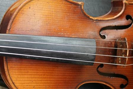 chiave di violino: dettaglio del vecchio violino