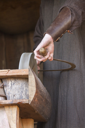 sharpening: old grinder sharpening blades