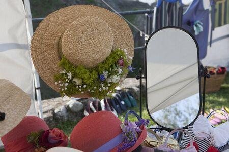 womans: womans hat