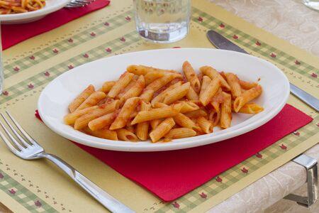 tallarin: macarrones italiano