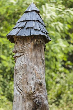 wood carvings: handmade wood carvings