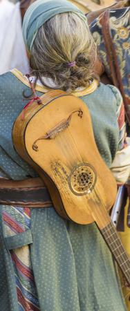 gaita: m�sicos medievales con tambores y panderetas