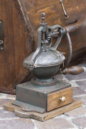 molinillo: molinillo de caf? antiguo