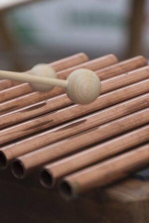 xilofono: xilófono hecho a mano