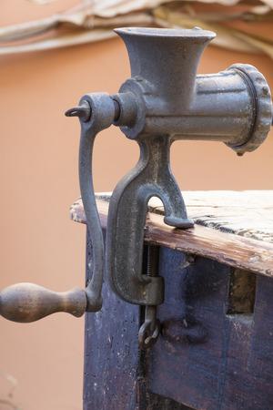 molinillo: viejo triturador de carne