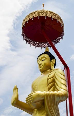 idolatry: golden buddha at Thailand