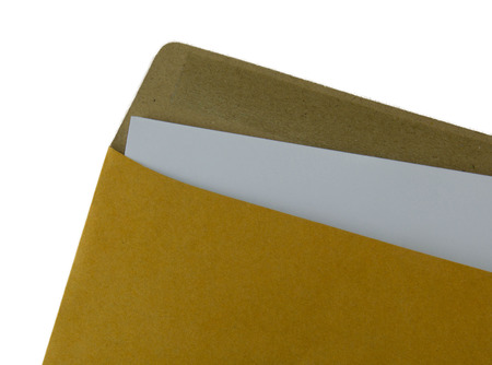 papier a lettre: Ouvert enveloppe Recycler brun avec lettre de papier � l'int�rieur sur