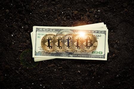Golden Bitcoins winnen Stockfoto - 85098175