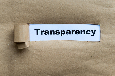 破れた紙の背景に透明性単語