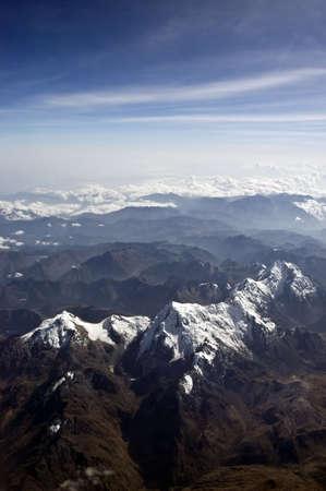 peruvian ethnicity: Andes peruanos cerca de la ciudad del Cusco, cubierto de nieve