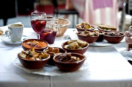Lunch. Andalusische stijl.  Stockfoto
