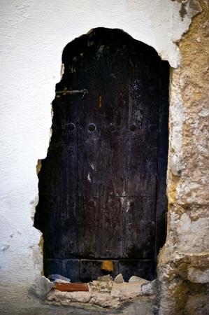 Old door in the Cordobas Jewish quarter Banco de Imagens