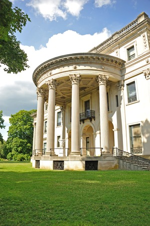 hyde: Hyde Park Mansion
