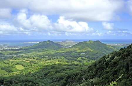 Oahu: View of mountains, valley and ocean. Oahu island, hawaii Stock Photo