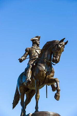 george washington: monumento a George Washington en el jardín público de Boston