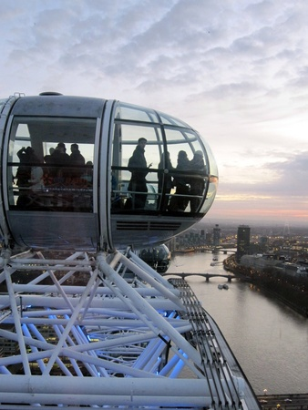 eye: People riding on the London Eye, London, England Stock Photo