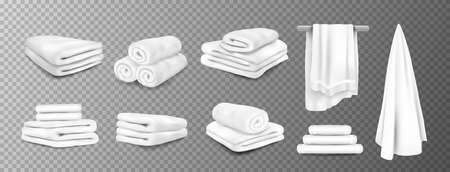 Bath towels. Realistic white hospital and hotel white bathroom hanging terry cloth. 3D fluffy fabric rolled and folded. Vector stack of textile toiletries set on transparent background Stock Illustratie