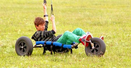 kiting: land kiting teenager Stock Photo