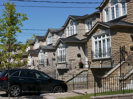 Chicago, USA, July 2011 - suburban street with modern houses  Stock Photo - 9889455