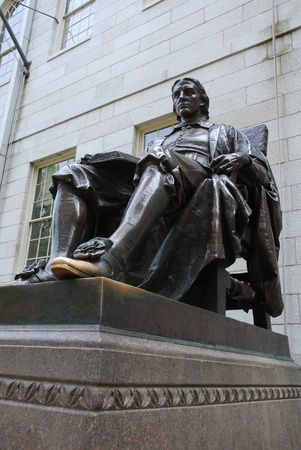 harvard university: Cambridge, Massachusetts, July 2008 - Statue of John Harvard, Founder of Harvard University, whose toe is rubbed for good luck