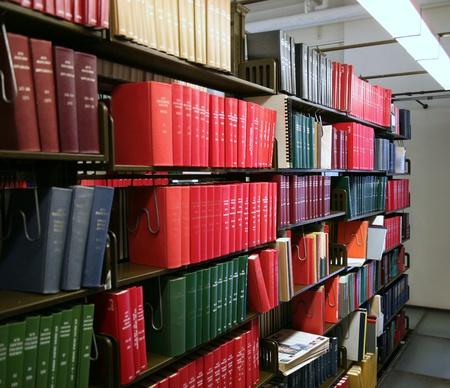 shelf: Chicago, USA, December 2008 - bookshelves in university library