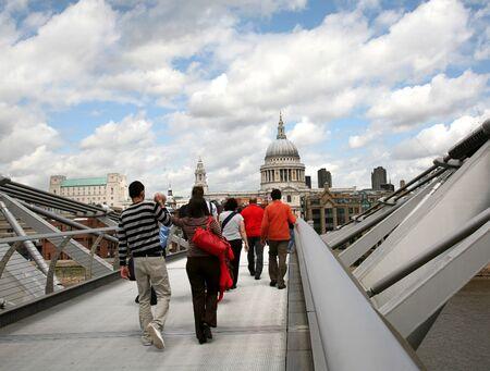st pauls: London, England, 2009, crossing Millennium Bridge