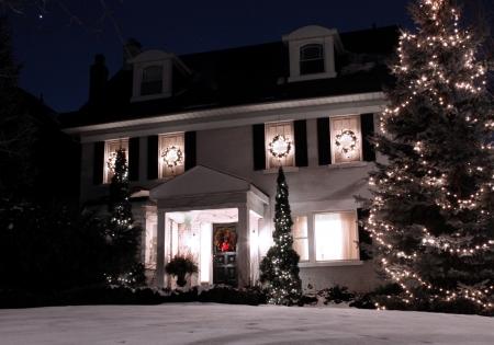 Toronto, Canada, december 2010, huis met kerstverlichting