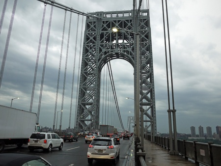 George Washington Bridge, op weg naar Manhattan, 2012 Redactioneel
