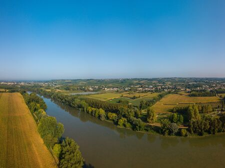 AERIAL VIEW OF AN AGRICULTURAL LANDSCAPE NEAR THE GARONNE RIVER, COUNTRYSIDE, ENVIRONMENT, SAINT PIERRE D'AURILLAC, GIRONDE, NEW AQUITAINE, FRANCE