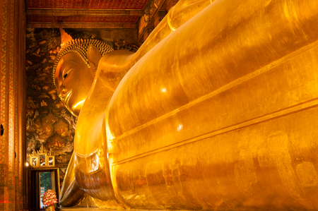 deification: Inclined Buddha at Wat Pho